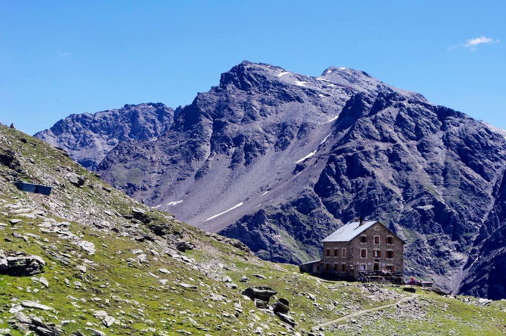Coston Hut/Hintergrat Hütte 2661 m