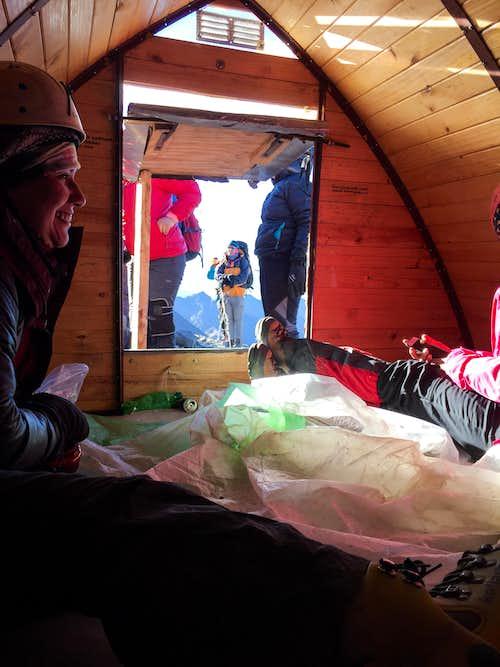 Agostini Shelter, Cerro El Plomo
