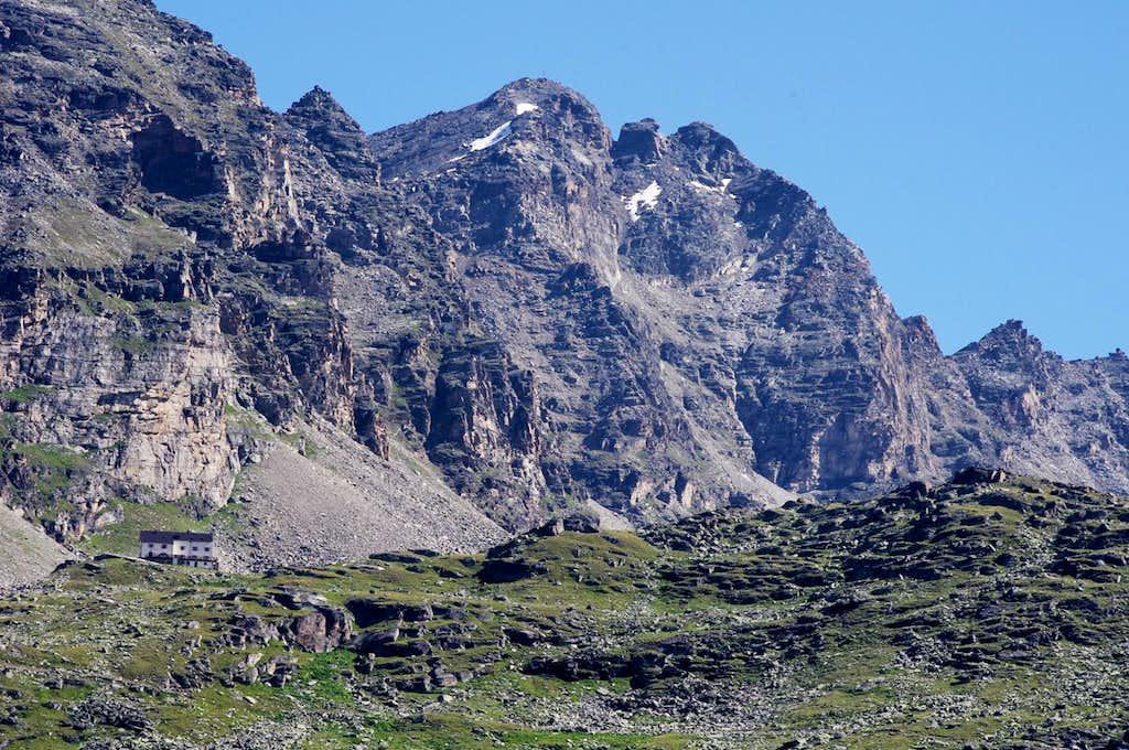 Croda di Cengles in the background of Serristori Hut