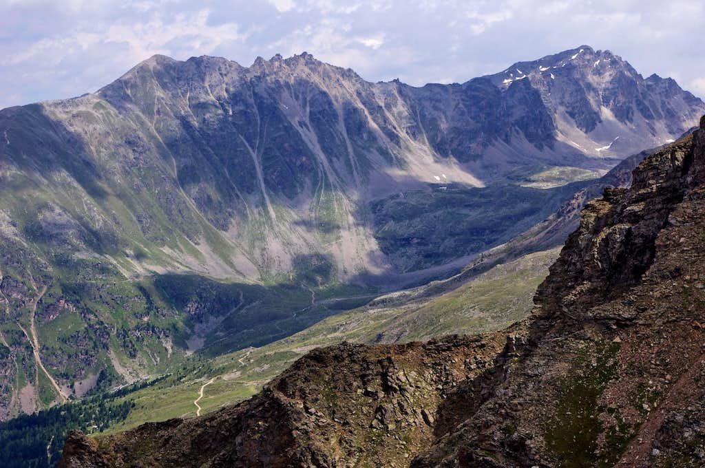 Dossobello ridge and Croda di Cengles