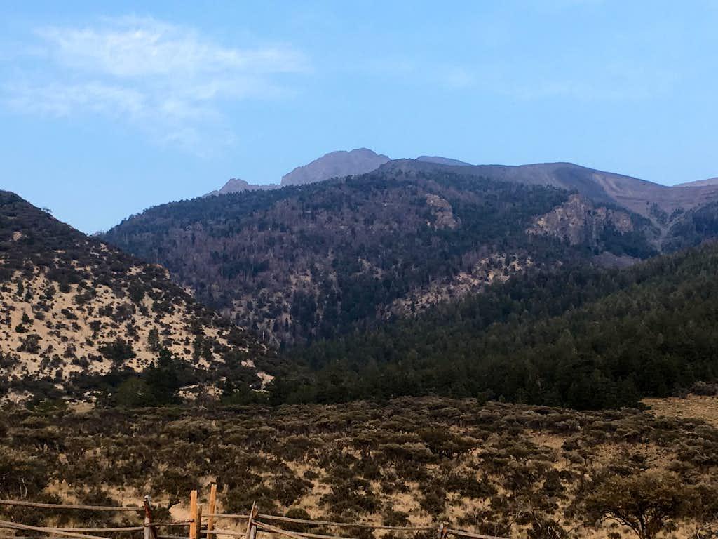 Borah Peak seen from trailhead