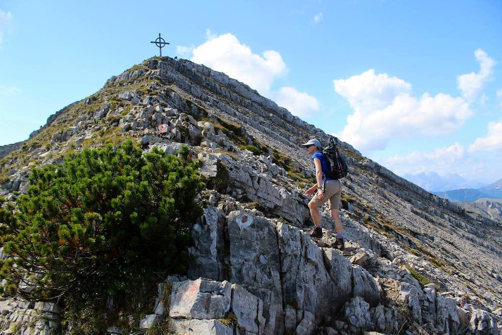 Seekarspitze (2053m) - nearing the summit