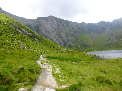 The trail to the Idwal Slabs