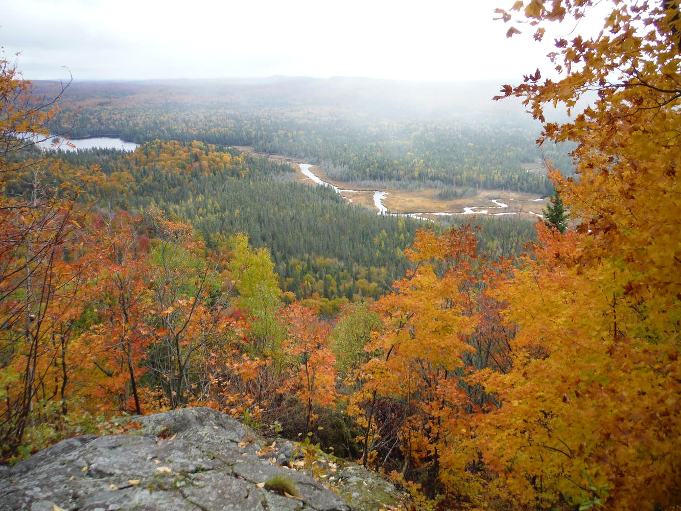 Peat Mountain October Overlook : Photos, Diagrams & Topos ...