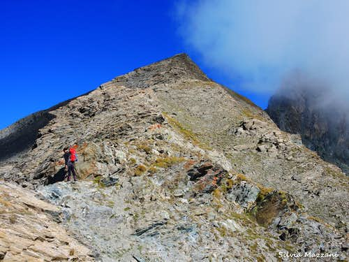 The long border ridge to Roc della Niera