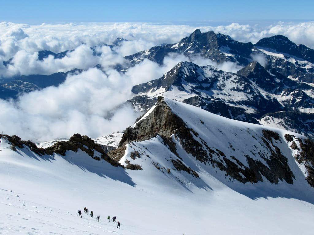 Climbing to Punta Giordani (2)