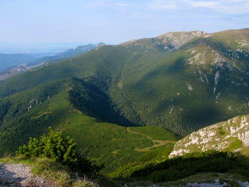 Main ridge NE from Sivý vrch