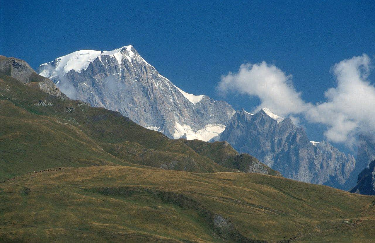 .Mont Blanc range and Piccolo San Bernardo pass july 2003
