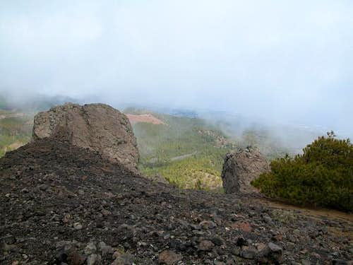 The basalt side summits of...