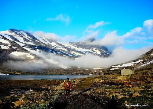 Getting the Koldedalshytta on the way to Falketind