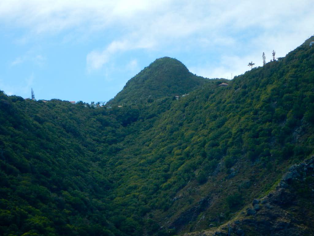 Mas Cahones Hill