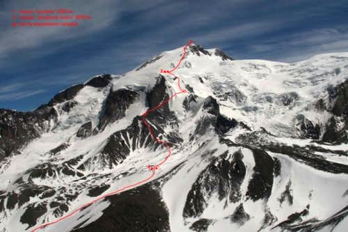 Route up Elbrus from the northwest - directly above Jele Soo West