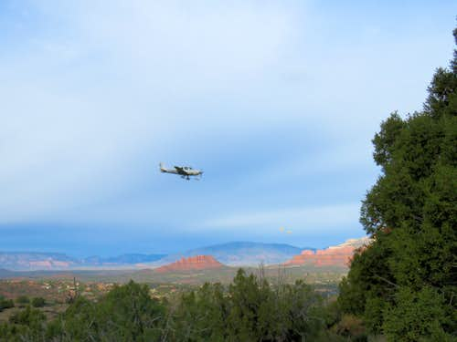 Airplane landing in Sedona Airport