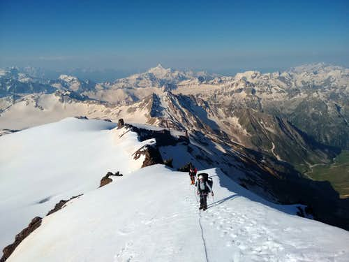 Climbing up to Kukurtlu Dome - Ullukam Valley below