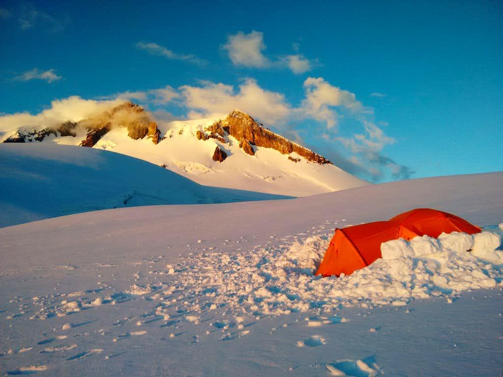 Camp on top of Kukurtlu Dome