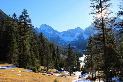 Reither spitze round trip: Looking up the Eppzirler tal.