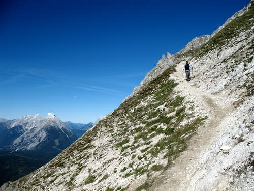 Reither spitze round trip: Descending from the summit.