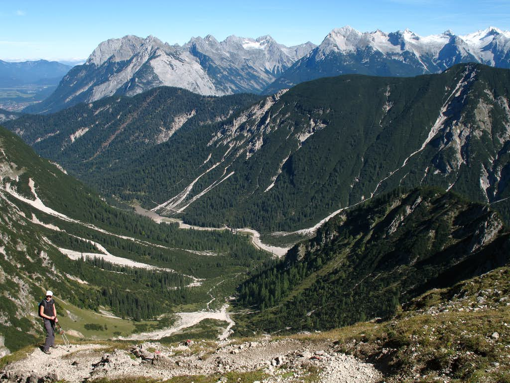 Reither spitze round trip: View from the Ursprungsattel into the Eppzirler tal.