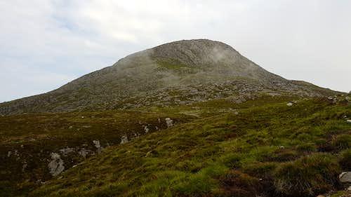 Sgorr na Ciche from the bealach