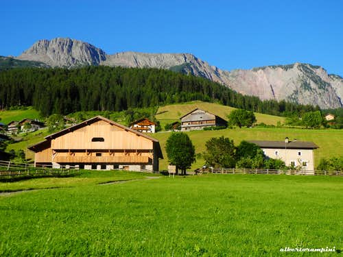 So green...the Sarner Scharte from Val Sarentino