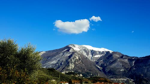 Lonely cloud above Monte Stivo