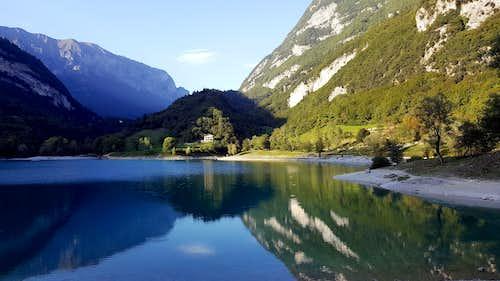 Lago di Tenno in early Fall