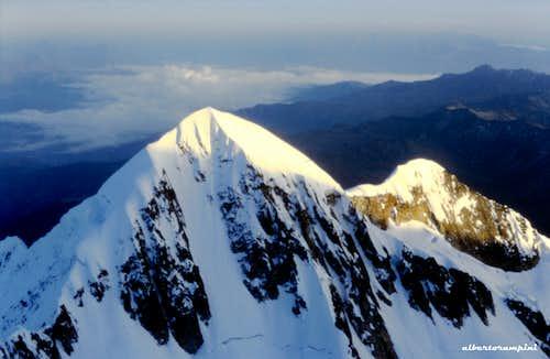 Picco Schultz 5933 m, Cordillera Real de los Andes (Bolivia)