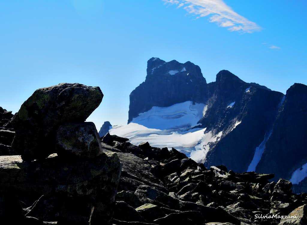 The proud summit of Store Austanbotntind