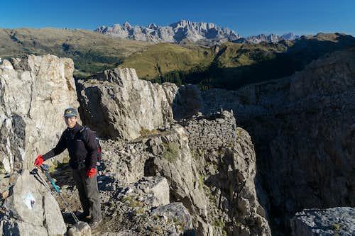 On the summit ledges of Monte Castellaz