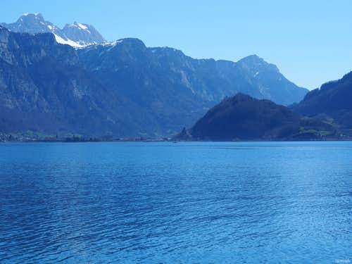 The Walensee before Alvier (2343m) and Gauschla (2310m)