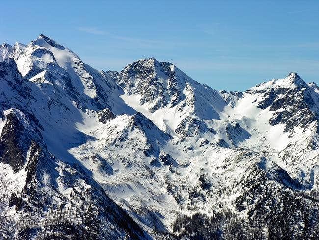 Da sinistra: il monte...