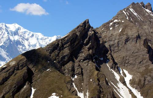 From Testa Nera on Varise's Crest to Aiguille de Chambave