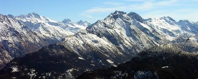 Gran Paradiso massif (4061 m)...