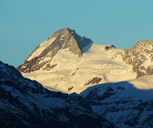 Dent d\'Hérens at sunset....