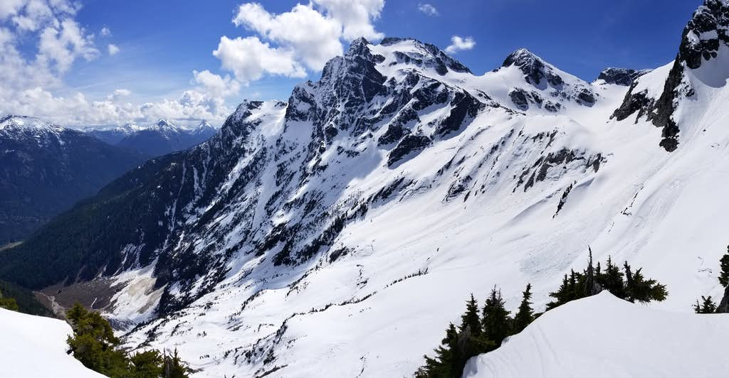 Colonial Peak Along Standard Route