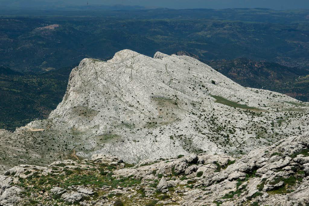 Punta Carabidda (1321m), Punta Ortu Camminu (1331m)