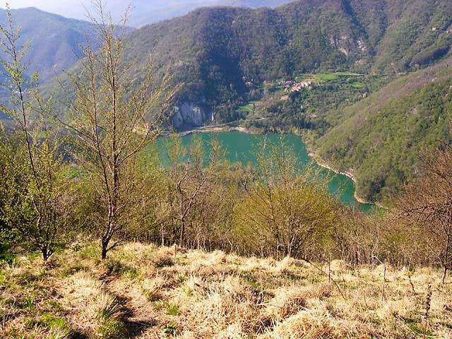 Descending from Alpesisa summit towards Val Noci lake