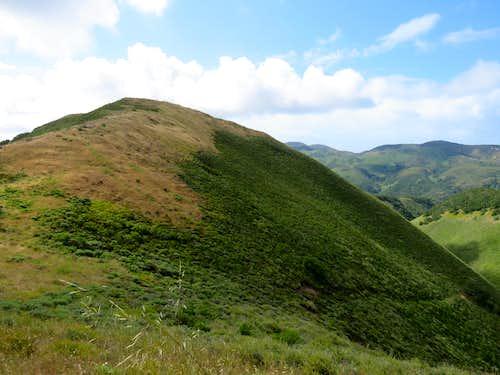 False summit of Oats Peak