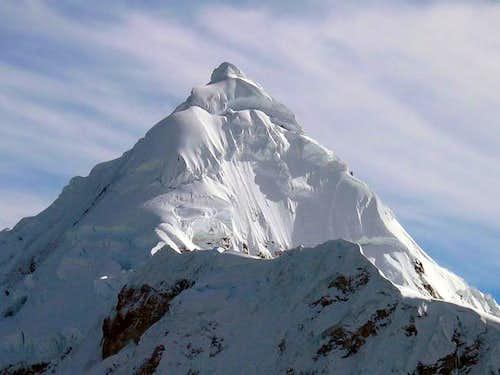 Tocllaraju from Ishinca glacier