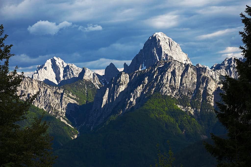 Creta Grauzaria and Monte Sernio from the NW