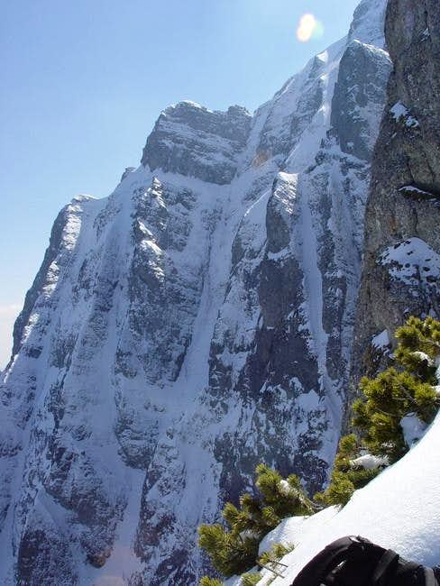Easy ice climbing routes...