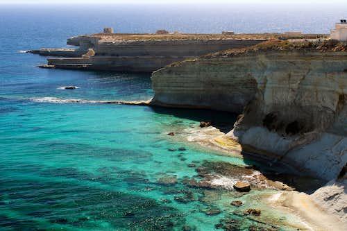 Hiking Malta's coastal paths. Xrobb I - Ghagin