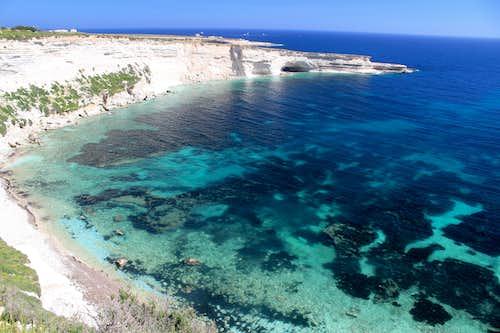 Hiking Malta's coastal paths. Il - Hofra z- Zghira