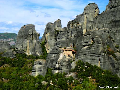 Meteora Western group and Aghios Nikolaos monastery seen from Kumarieskopf