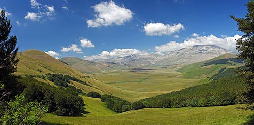 Piano Grande and Castelluccio