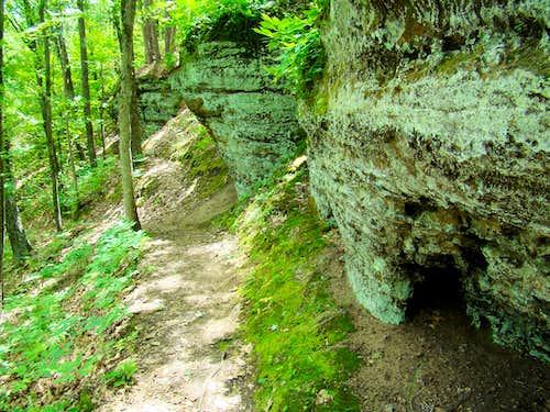 Levis Mound Cliffhanger Trail