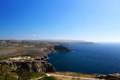 Marfa peninsula - Looking south down Malta's west coast