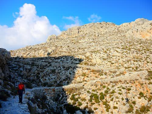 The Italian Path winding down to Pothia