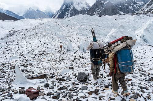 baltoro glacier between goro and concordia