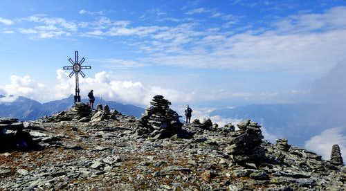 Broad summit of Picco Palù - Grosser Moostock
